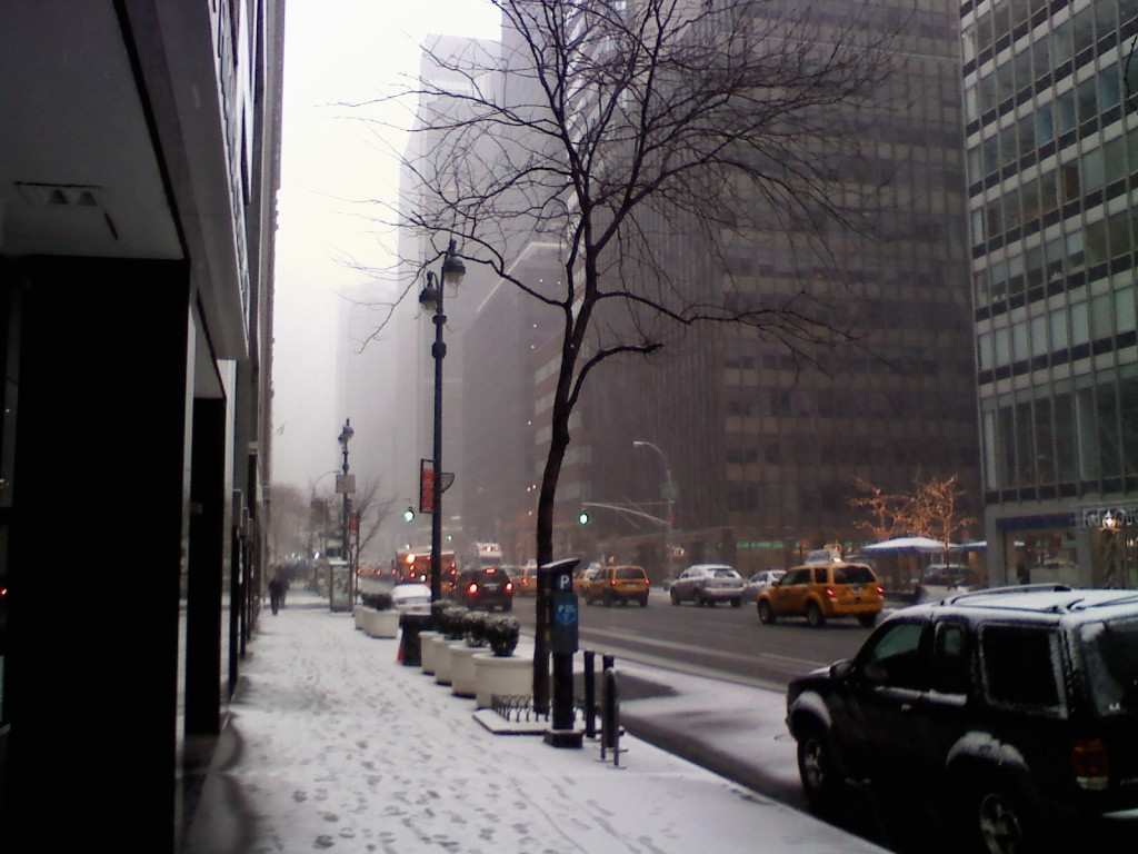 The beginnings of the blizzard, 3 pm 12/26/10, NYC