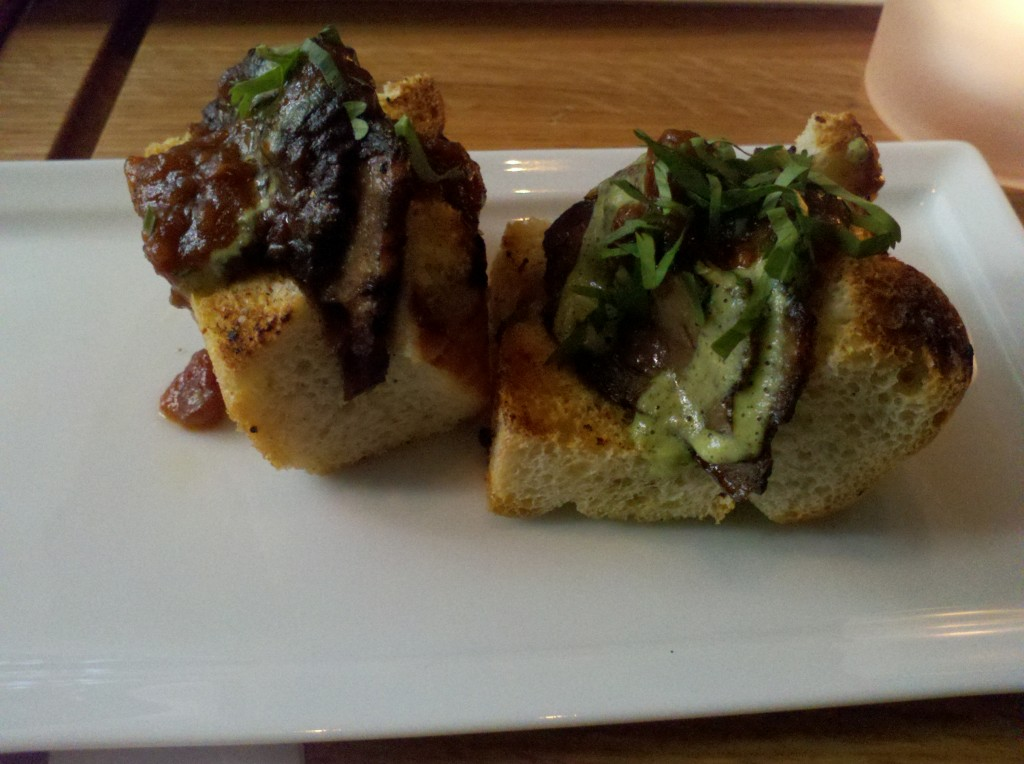 Little steak sandwiches, with two sauces, total flavor bomb